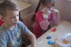 арт-терапия 26 февраля 2011 иностранные волонтеры в ДРКБ 008