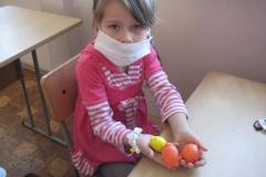 арт-терапия 26 февраля 2011 иностранные волонтеры в ДРКБ 029