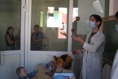 арт-терапия 26 февраля 2011 иностранные волонтеры в ДРКБ 004