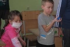 арт-терапия 26 февраля 2011 иностранные волонтеры в ДРКБ 042